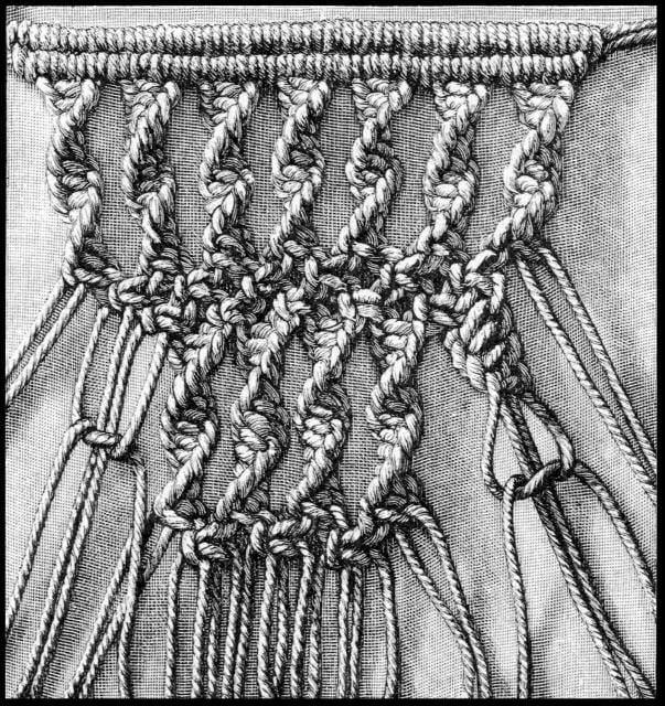 Makrama - sieć z łańcuchów wykonanych z węzłów spiralnych