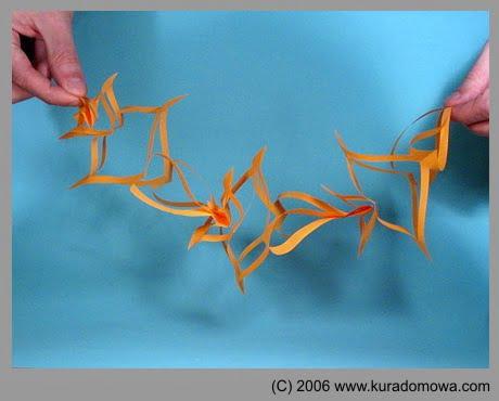 Ozdoby choinkowe – girlandy z papieru