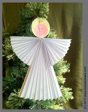 Ozdoby bożonarodzeniowe – harmonijkowy aniołek zpapieru