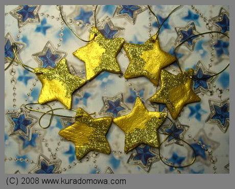 Ozdobne gwiazdki zmasy solnej ozdoby na choinkę
