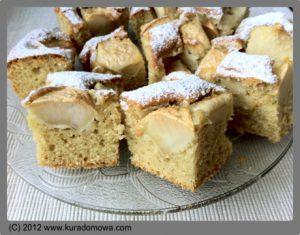 Przepis na jabłecznik z cukrem pudrem