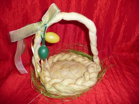 Wielkanocne koszyczki zciasta