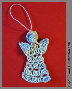 Wzór na płaskiego aniołka szydełkowego